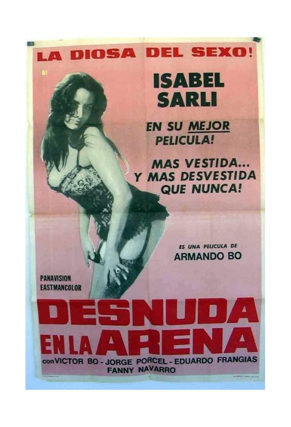 Desnuda en la arena kapak