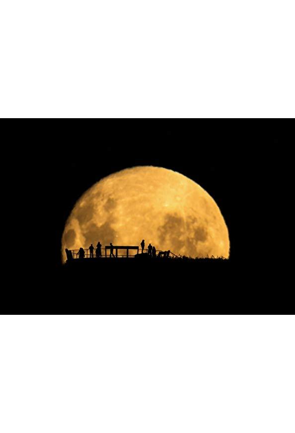 Wonders of the Moon kapak