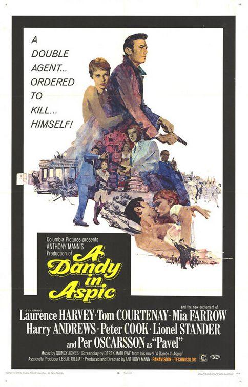 A Dandy in Aspic kapak