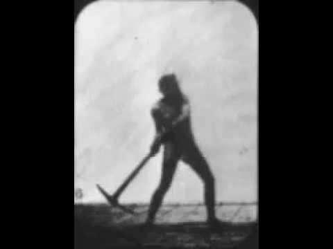 Athlete Swinging a Pick kapak