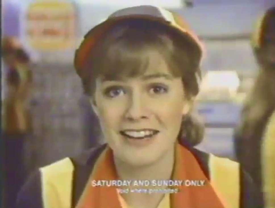 1982 Burger King Christmas Commercial with Lea Thompson, Elisabeth Shue and Sarah Michelle Gellar kapak