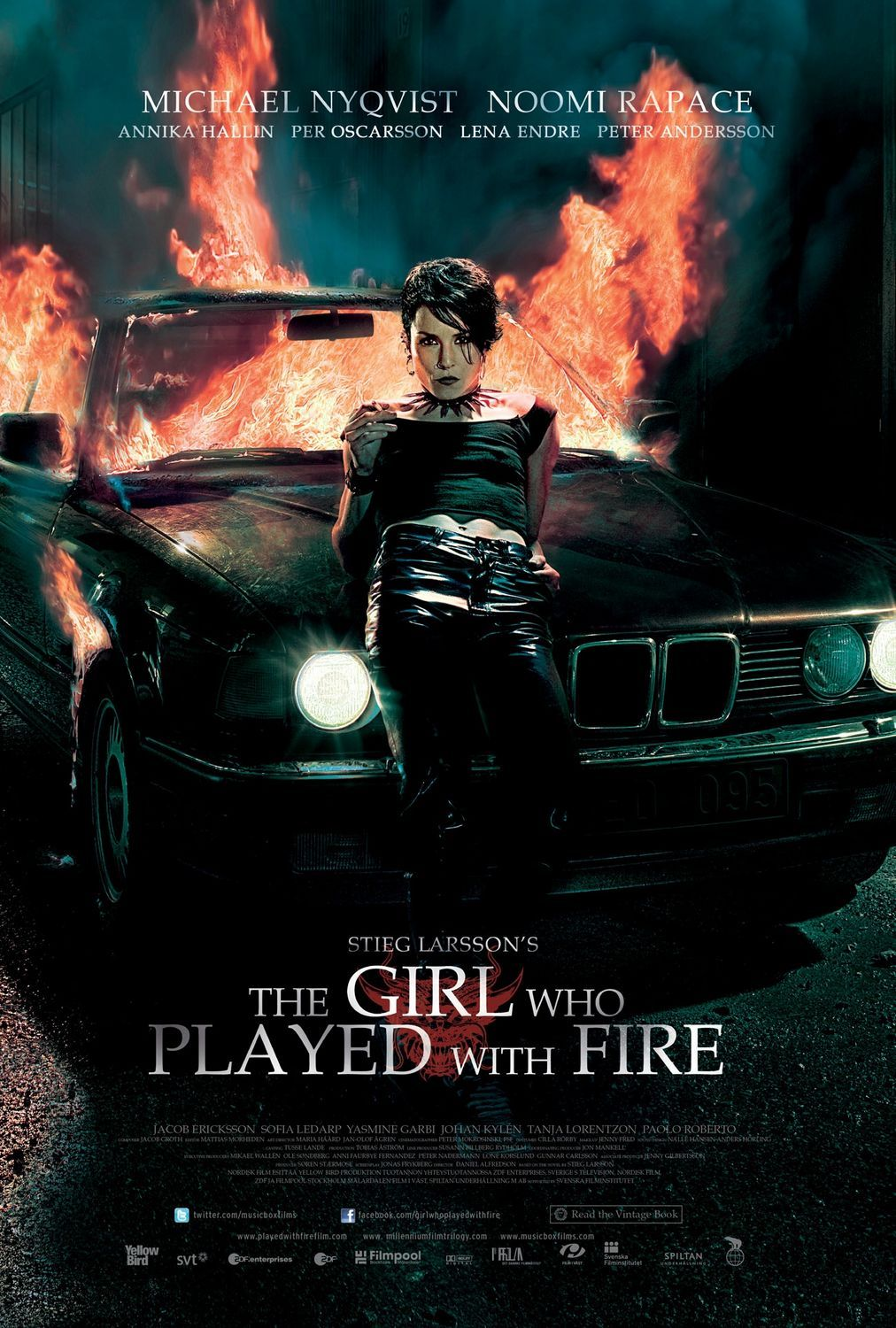 The Girl Who Played with Fire kapak