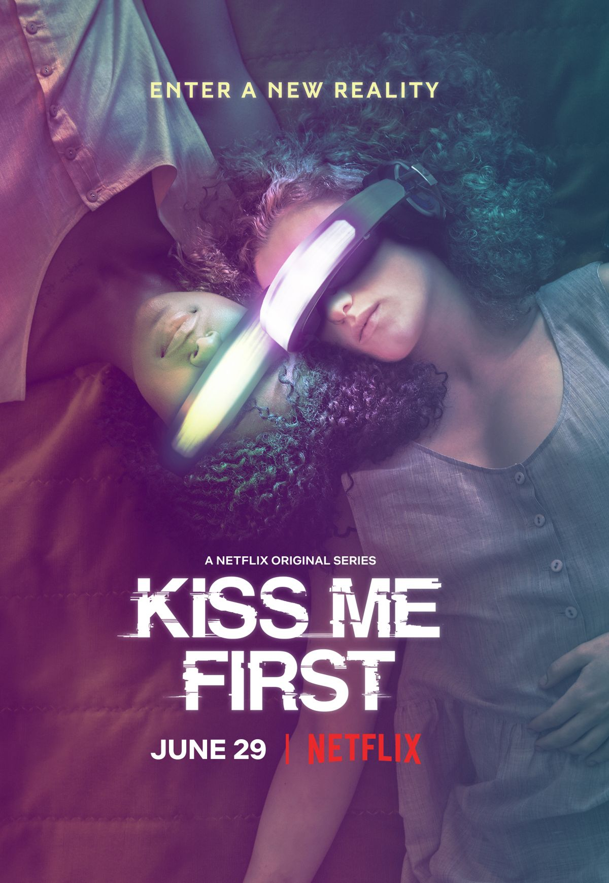 Kiss Me First kapak