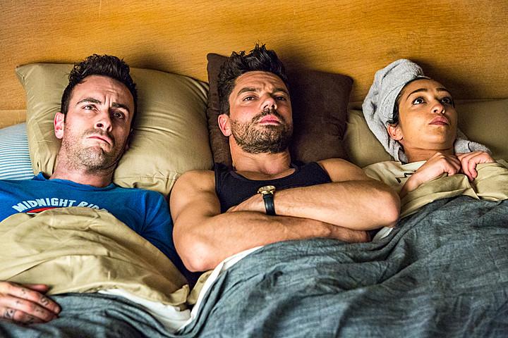 """""""Preacher""""ın 2. Sezonu Yeni Dizi Afişleriyle """"Aşırı Güçlü"""" Görünüyor"""