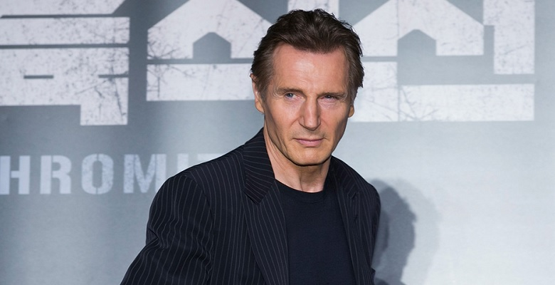 Liam Neeson, Charlie Johnson In The Flames'in Kadrosunda
