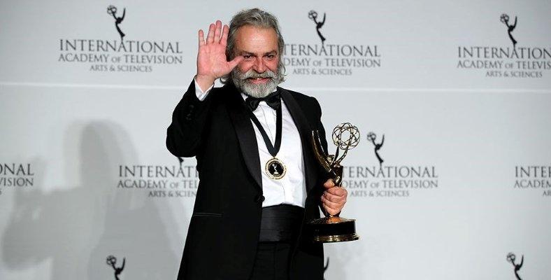 Haluk Bilginer En İyi Aktör Dalında Emmy Ödülü Kazandı