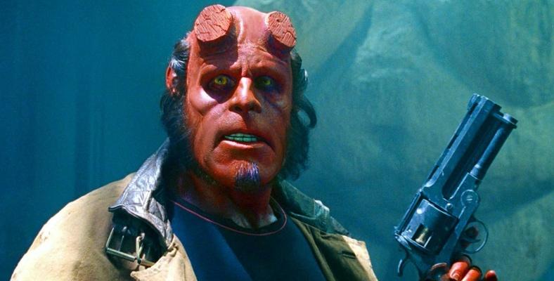 Perlman'ın Hellboyla Kapışması